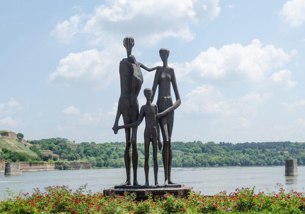 Spomenik Žrtvama Racije