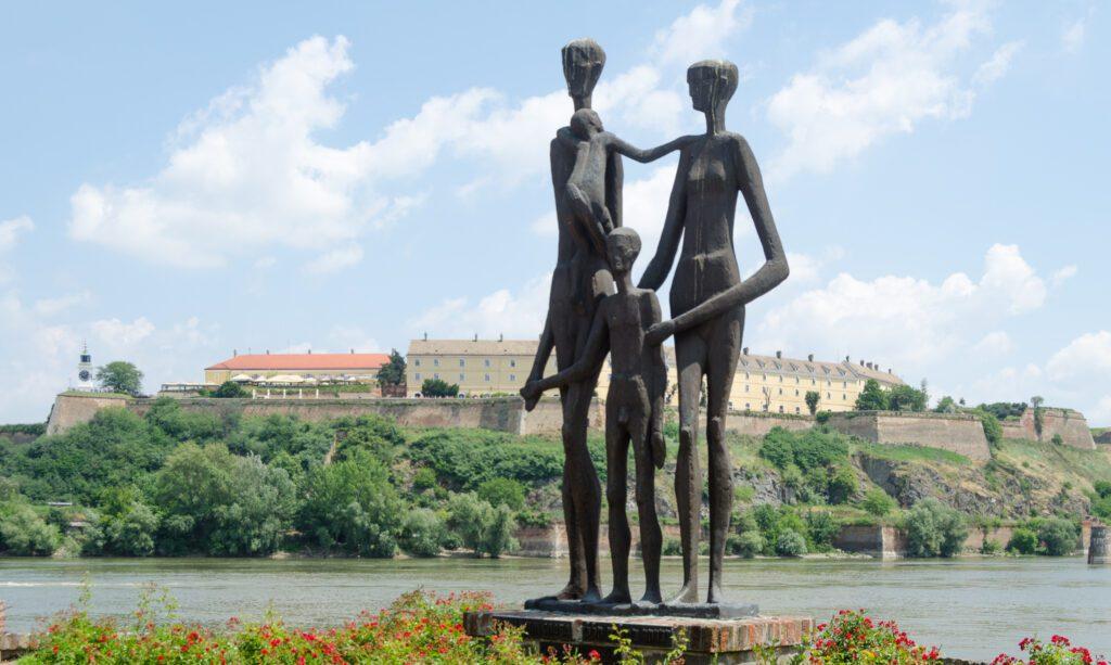 Spomenik Žrtvama Racije Dunav