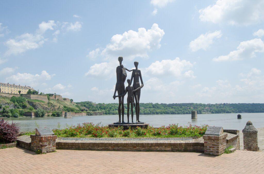 Spomenik Žrtvama Racije Vojvodina