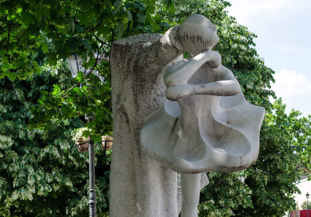 Spomenik Marini Olenjinoj Novi Sad