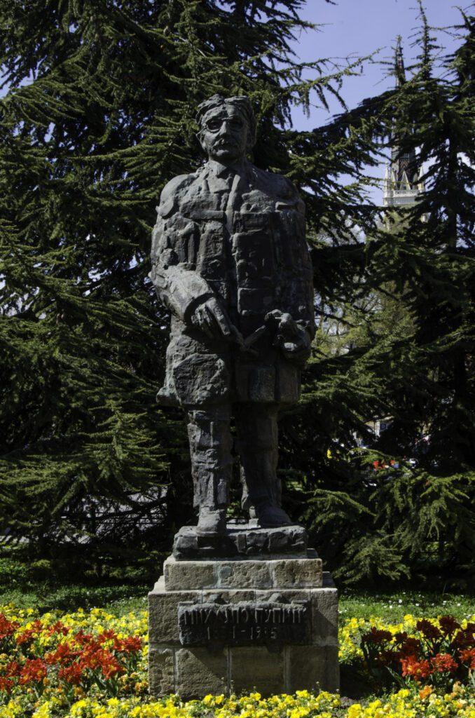 Spomenik Mihajlu Pupinu