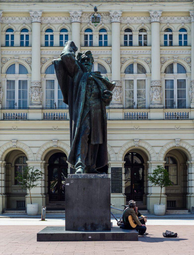 Spomenik Svetozaru Miletiću